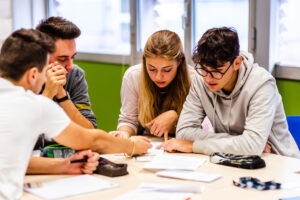 Giovani studenti della Pittini Challenge